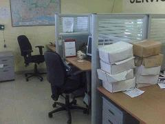 20120626210248-asi-se-mantenian-los-escritorios-de-los-empleados.jpg