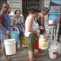 20081112140551-buscan-agua.jpg