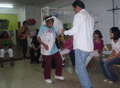 20081216184926-angela-bailando.jpg