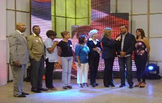 20100118230918-feliz-vinicio-telemaraton-por-haiti.jpg