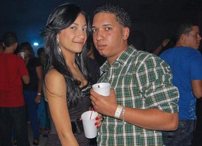 20100408173638-pareja-de-amigos.jpg