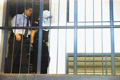 20101119190141-nac7-2-policia-preso-cristo-rey.jpg